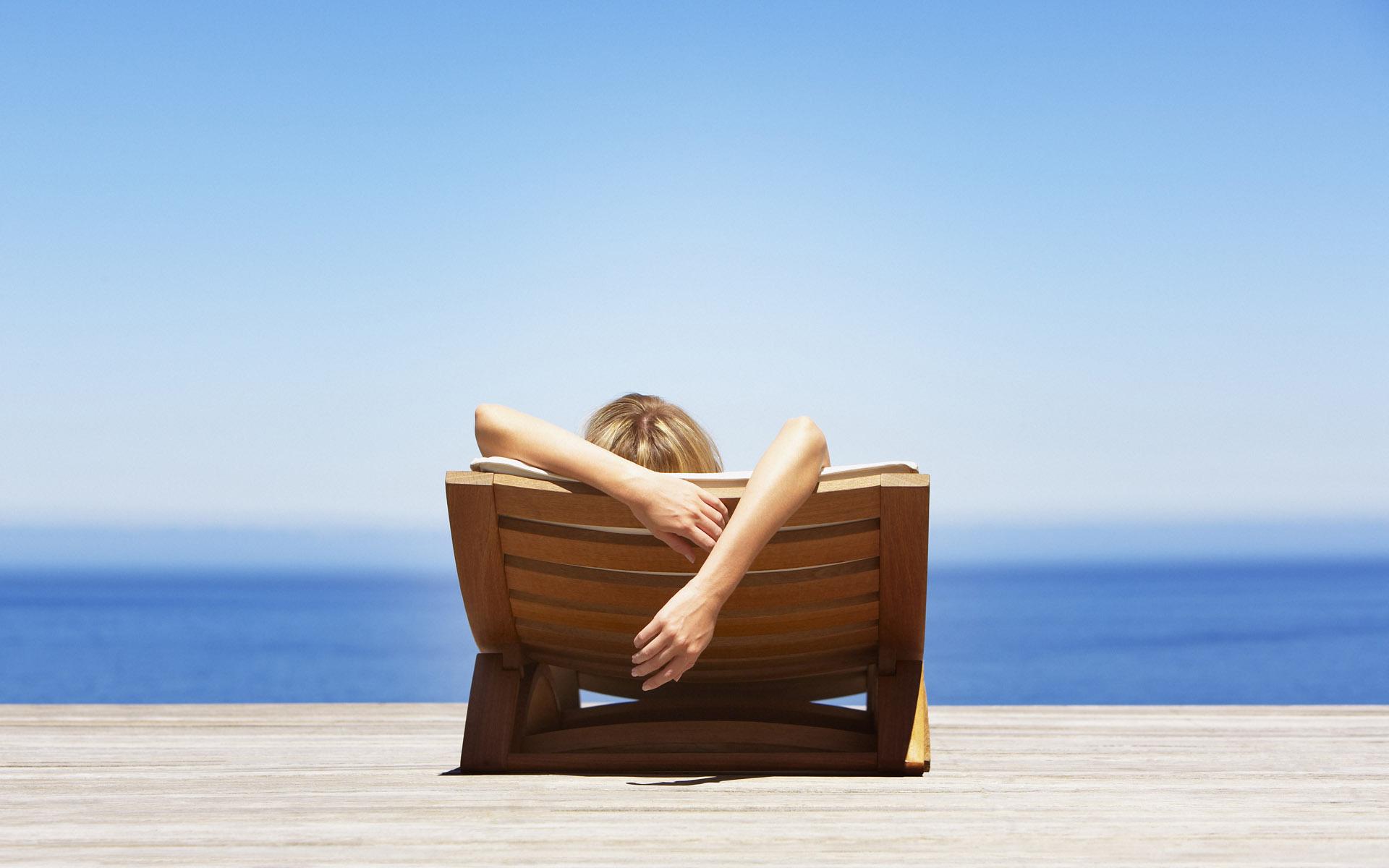 relax in Fiji